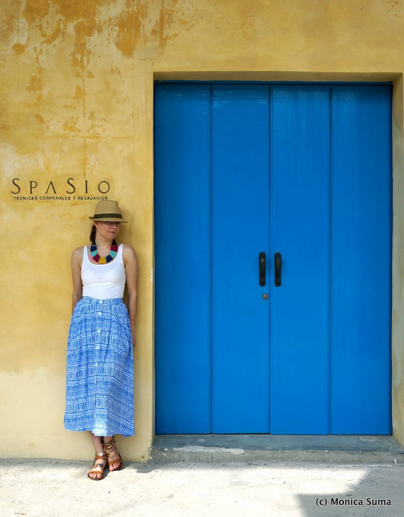 Blue door in Havana